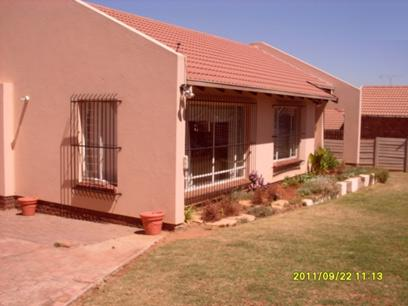 2 Bedroom House for Sale For Sale in The Reeds - Home Sell - MR16537