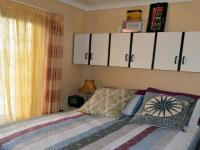 Main Bedroom - 11 square meters of property in Mariann Heights