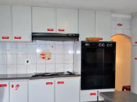 Kitchen - 14 square meters of property in Brookdale
