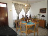 Dining Room - 15 square meters of property in Florida Lake
