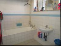 Bathroom 1 - 9 square meters of property in Florida Lake