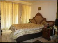 Main Bedroom - 20 square meters of property in Florida Lake