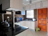 Kitchen - 14 square meters of property in Kirkney