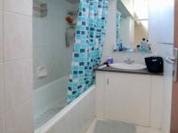 Bathroom 1 - 8 square meters of property in Queenswood