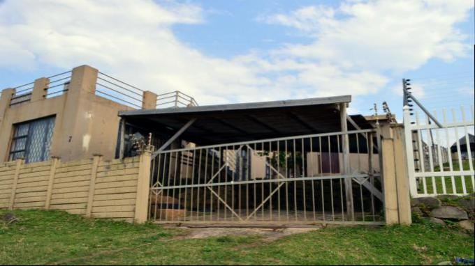 Standard Bank EasySell 5 Bedroom Sectional Title for Sale in Hibberdene - MR165822