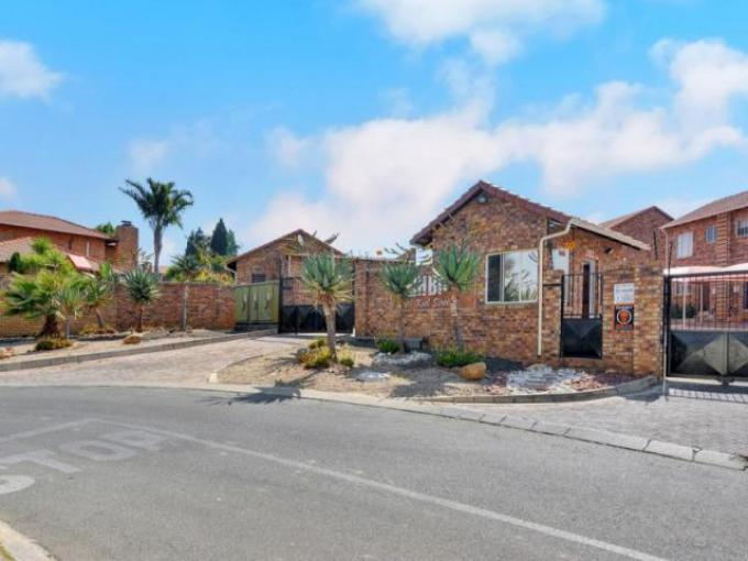 Standard Bank EasySell 2 Bedroom Sectional Title for Sale For Sale in Olivedale - MR165876