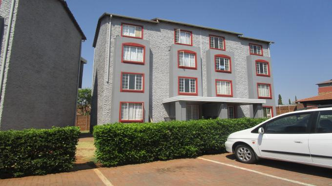 Standard Bank EasySell 2 Bedroom Sectional Title for Sale in Castleview - MR165942
