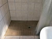 Bathroom 1 - 4 square meters of property in Phoenix