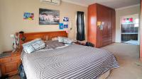 Main Bedroom - 19 square meters of property in Kosmosdal