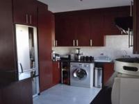 Kitchen of property in Monavoni
