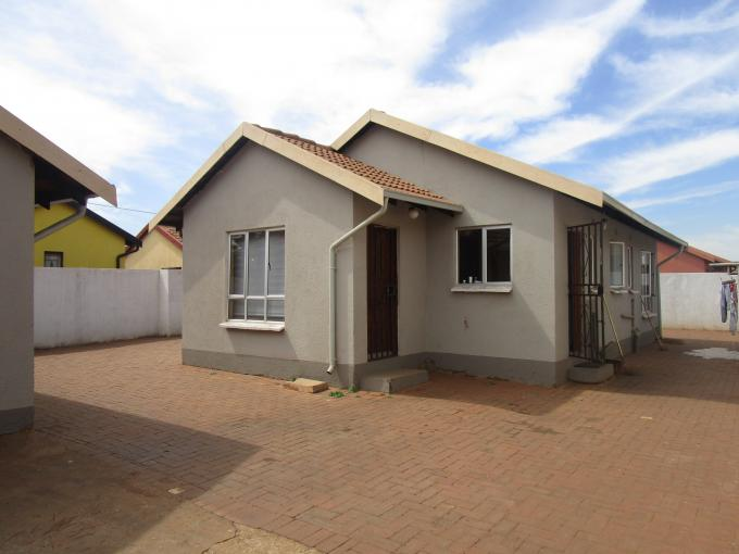 3 Bedroom House for Sale For Sale in Vosloorus - Private Sale - MR166024