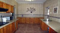 Kitchen - 14 square meters of property in Arboretum