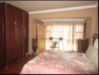 Main Bedroom - 25 square meters of property in Simunye