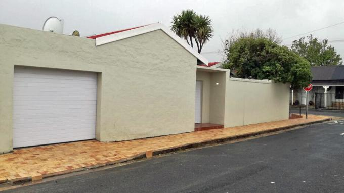 2 Bedroom Sectional Title for Sale For Sale in Wynberg - CPT - Private Sale - MR166101