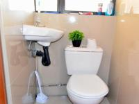 Bathroom 1 - 3 square meters of property in Phoenix