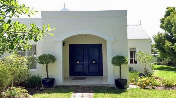 House for Sale For Sale in Knysna - Private Sale - MR166223