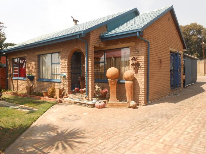 3 Bedroom House for Sale For Sale in Krugersdorp - Home Sell - MR166296