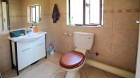 Main Bathroom - 5 square meters of property in Tijger Vallei