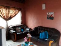 Lounges - 16 square meters of property in Brakpan