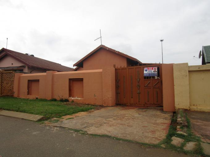 Standard Bank EasySell 3 Bedroom House for Sale For Sale in Soweto - MR166670
