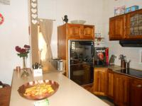 Kitchen - 26 square meters of property in Kloofendal
