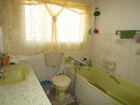 Bathroom 1 - 6 square meters of property in Tulisa Park