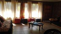 Lounges - 33 square meters of property in Dalpark