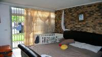 Main Bedroom - 31 square meters of property in New Germany