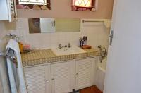 Main Bathroom - 9 square meters of property in Pinetown