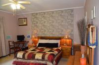 Main Bedroom - 25 square meters of property in Pinetown