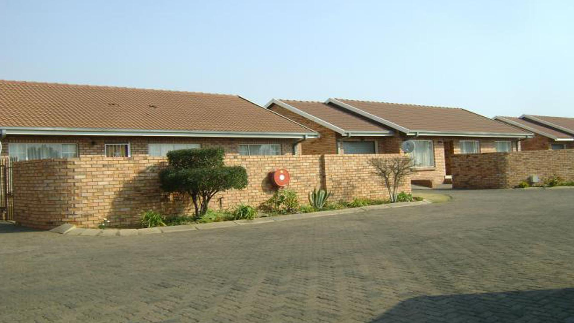 Front View of property in Komati