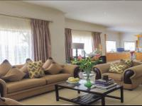 Lounges - 40 square meters of property in Glenvista