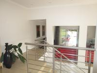 Spaces - 68 square meters of property in Glenvista