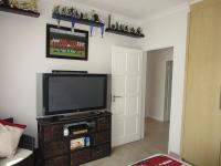 Bed Room 1 - 14 square meters of property in Glenvista