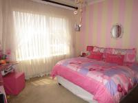 Bed Room 2 - 14 square meters of property in Glenvista