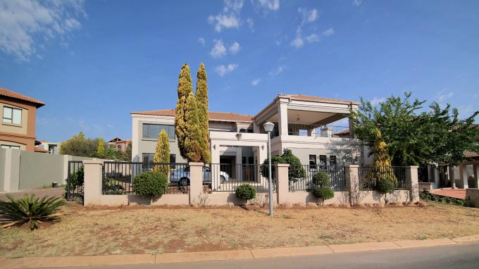 4 Bedroom House for Sale For Sale in Hartbeespoort - Private Sale - MR167180