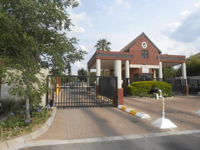 Standard Bank Repossessed 4 Bedroom House for Sale on online auction in Maroeladal - MR167353