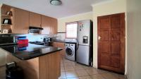 Kitchen - 9 square meters of property in Theresapark