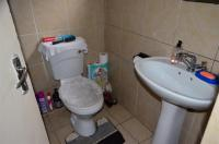 Bathroom 3+ - 5 square meters of property in Shallcross