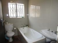 Bathroom 1 - 6 square meters of property in Mapleton
