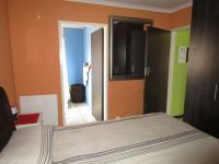 Main Bedroom - 14 square meters of property in Mapleton