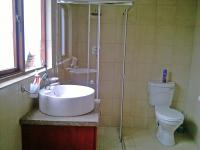 Bathroom 2 - 7 square meters of property in Bloubosrand