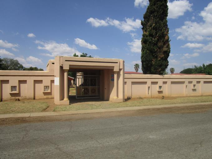 Standard Bank EasySell Cluster for Sale For Sale in Sonland Park - MR167479