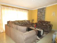 Lounges - 29 square meters of property in Sonland Park
