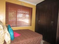 Bed Room 2 - 11 square meters of property in Sonland Park