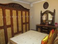 Main Bedroom - 15 square meters of property in Sonland Park