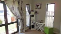 Bed Room 1 - 14 square meters of property in Somerset West