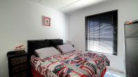 Main Bedroom - 12 square meters of property in Rooihuiskraal North