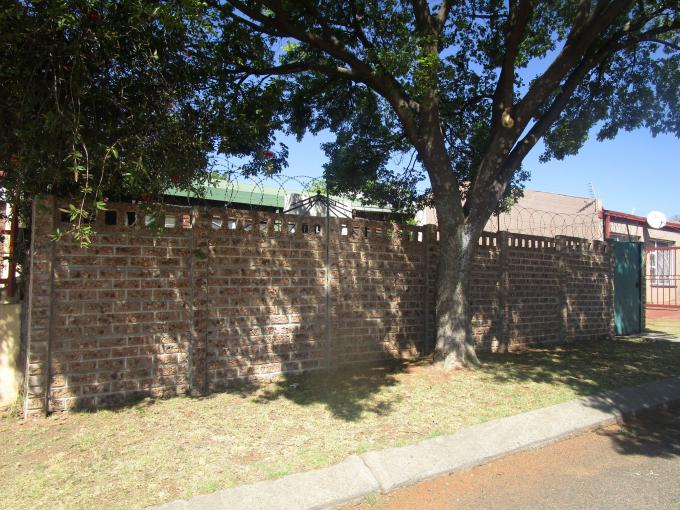 Standard Bank EasySell 3 Bedroom House for Sale For Sale in Roodepoort - MR167683