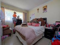 Main Bedroom - 16 square meters of property in Roodepoort